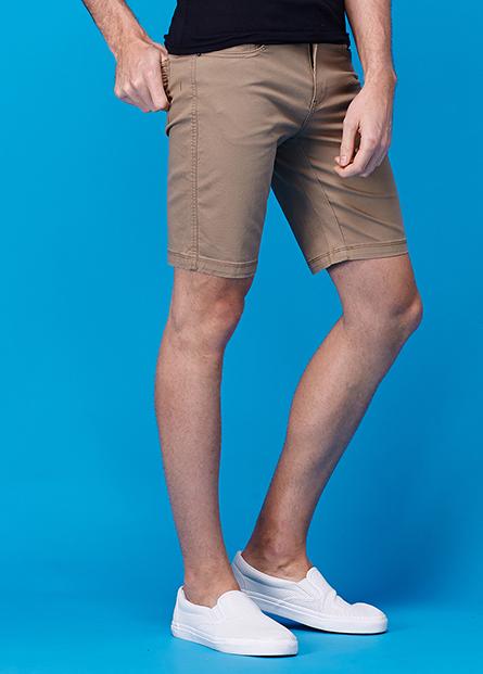 素色修身直筒五分短褲